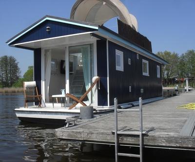 ferienhaus buchholz mecklenburg vorpommern m ritz hausboot forelle ferienwohnung ferienh user. Black Bedroom Furniture Sets. Home Design Ideas