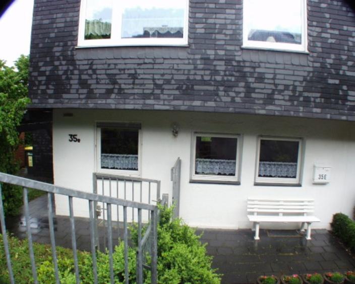 ferienhaus remscheid nordrhein westfalen haus brand ferienwohnung ferienh user ferienwohnungen. Black Bedroom Furniture Sets. Home Design Ideas