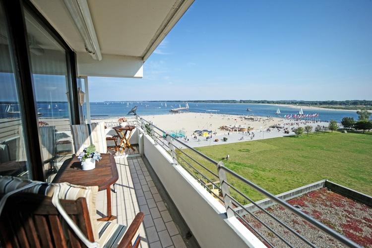 appartment travem nde schleswig holstein komfort apartment im maritim strandhotel in travem nde. Black Bedroom Furniture Sets. Home Design Ideas