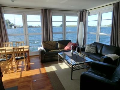 ferienhaus sundhagen neuhof mecklenburg vorpommern hausboot lagoon ferienwohnung ferienh user. Black Bedroom Furniture Sets. Home Design Ideas