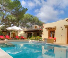 holiday villa Es Calo