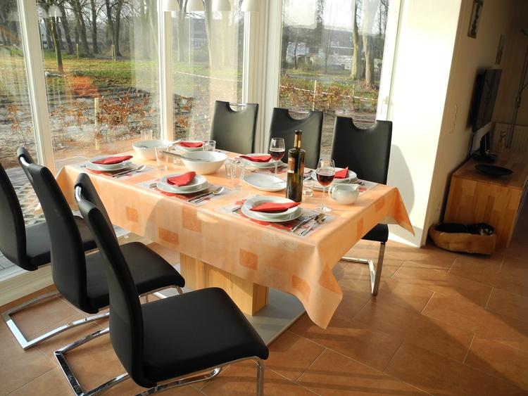 ferienhaus nordhorn niedersachsen villa seeblick ferienwohnung ferienh user ferienwohnungen. Black Bedroom Furniture Sets. Home Design Ideas