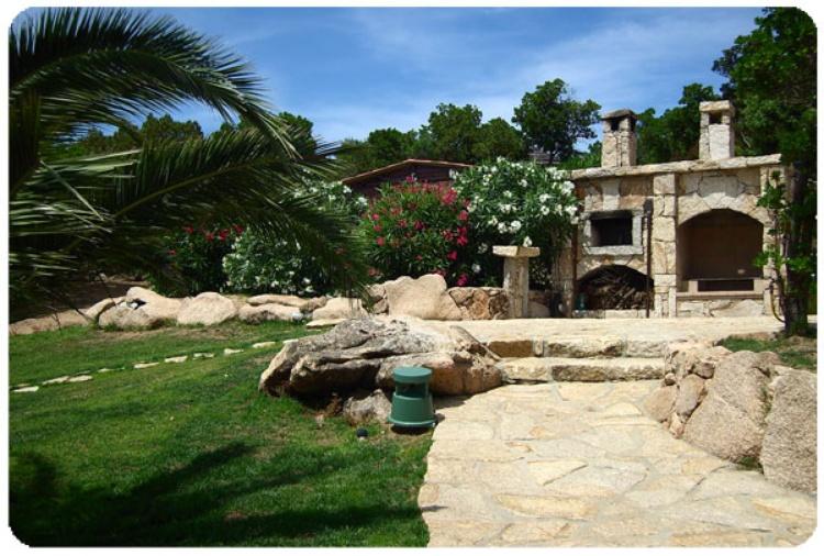 ferienhaus baia sardinia sardinien elegante villa delle api in costa smeralda ferienwohnung. Black Bedroom Furniture Sets. Home Design Ideas