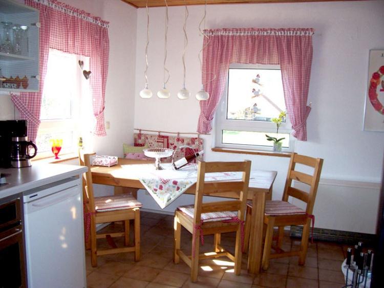 Die gemütliche und neue Küche, siehe ferienhaus-siebrecht.de