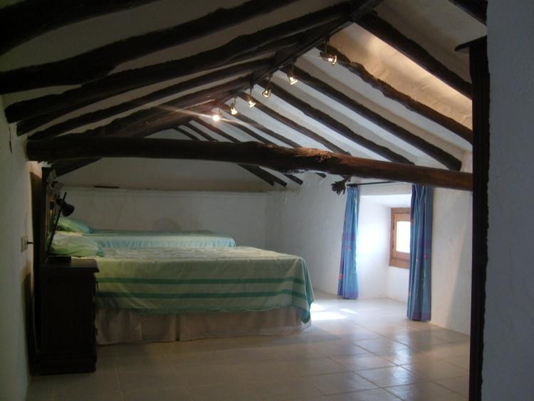 Attic Bedroom Guest 2 With 2 X Double Beds.Restored Beams.Attic Bedroom Has A En-suite