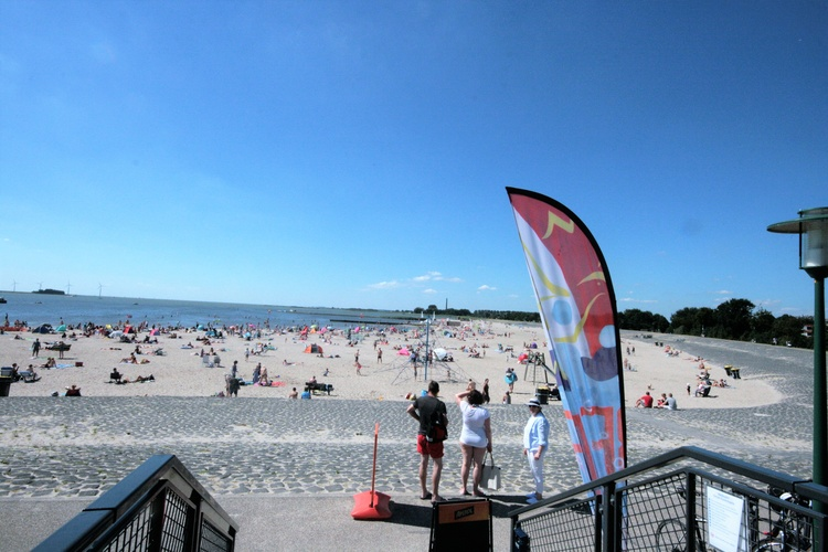 Beach Lemmer with Surfschool and Beachclub