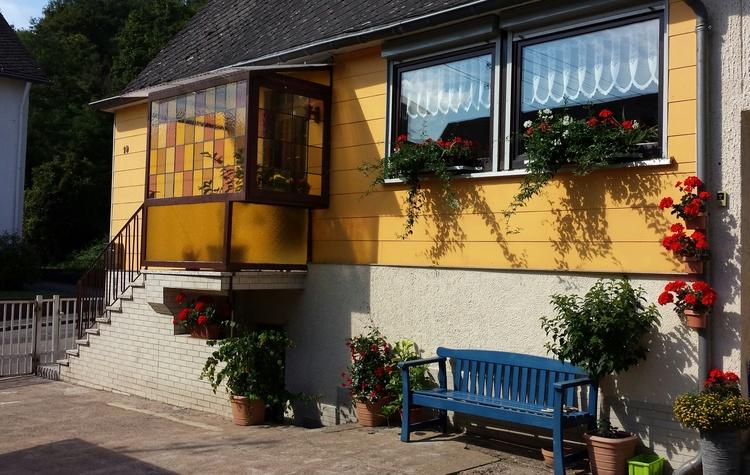 Ferienhaus (Hofansicht)