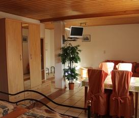 Apartment Kirchheim a. d. Wstr.