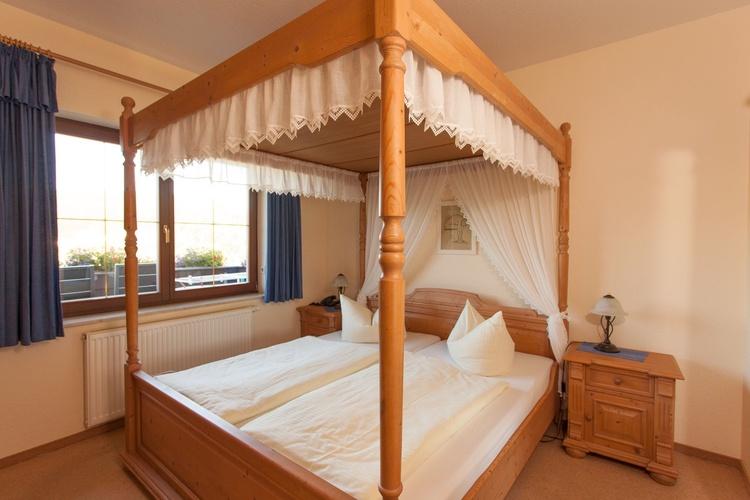 Schlafzimmer App.Schwarzwasser