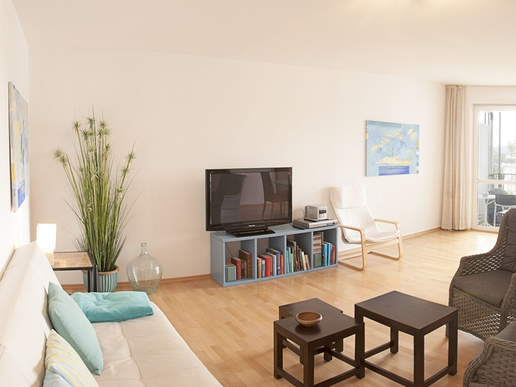 TV und Sofa