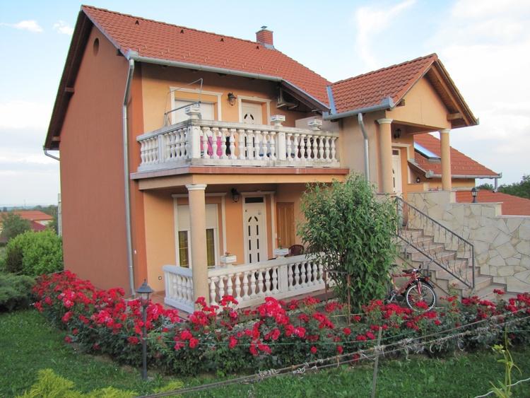 Atali Haus vom West