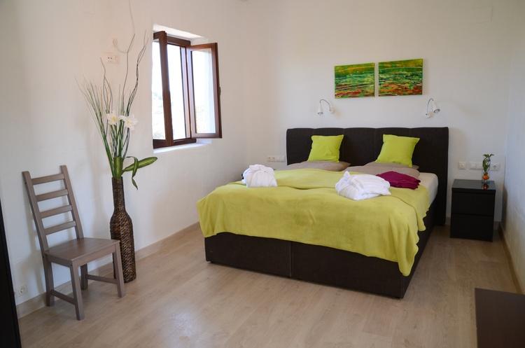 Bedroom of room so calles Sevilla