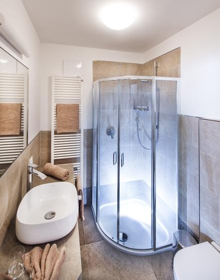 1 Dusche WC mit Bidet