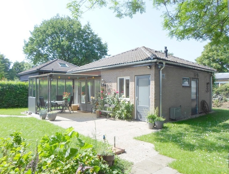 detached bungalow with garden