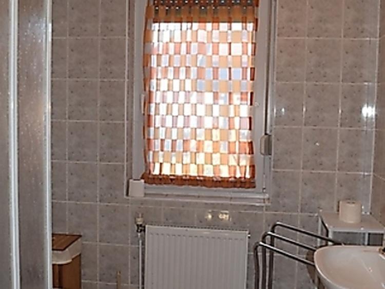 Wohnung 2, WC und Dusche