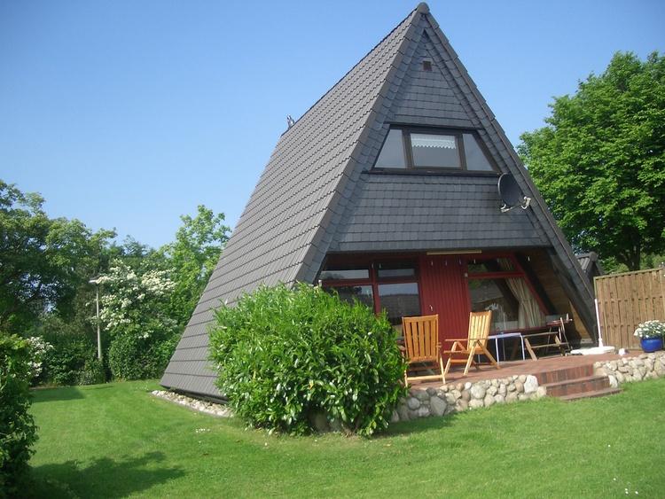 Zeltdachhaus Terrassenansicht