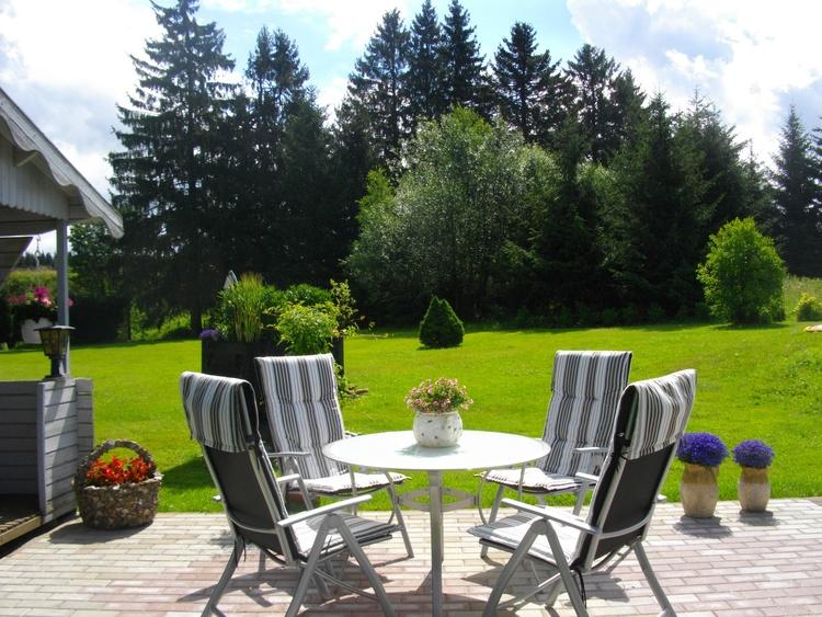 Sitzecke im Garten (3500 qm)