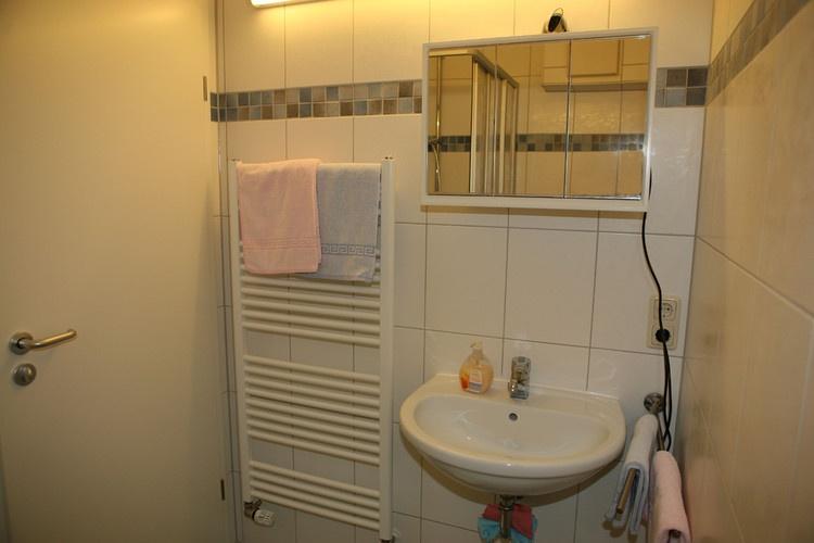 Bath with showercabin