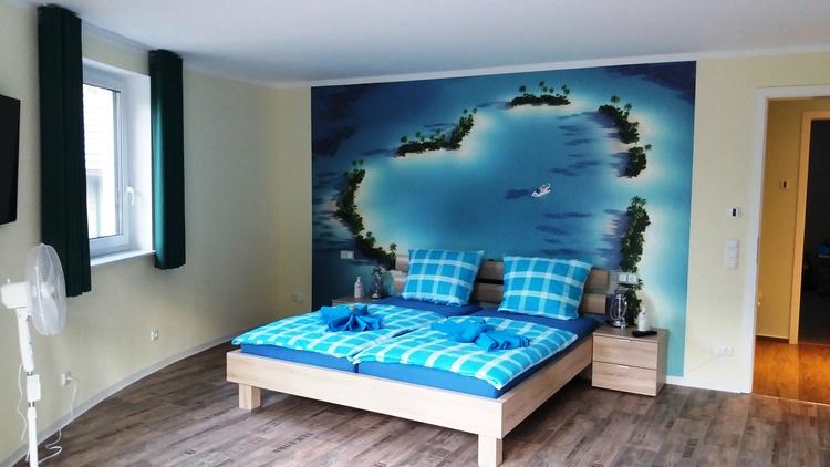 Doppelbett im Herzzimmer 180 x 200