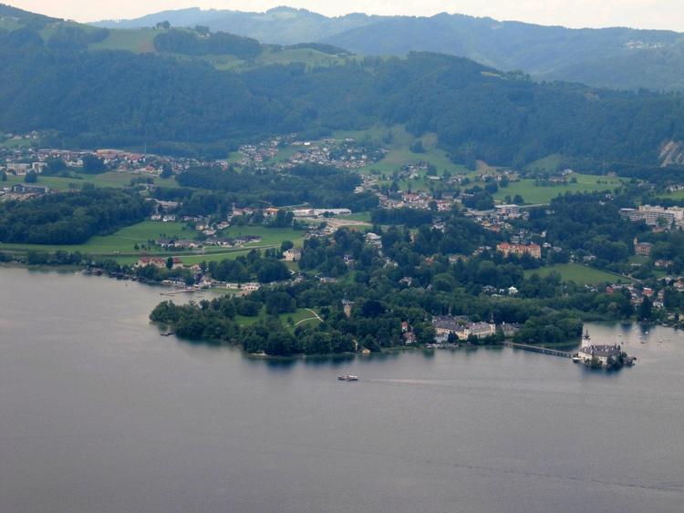 Traunsee mit Land- u. Wasserschloss Ort