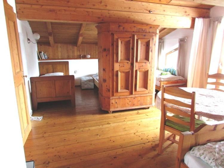 sleeping room with balcony
