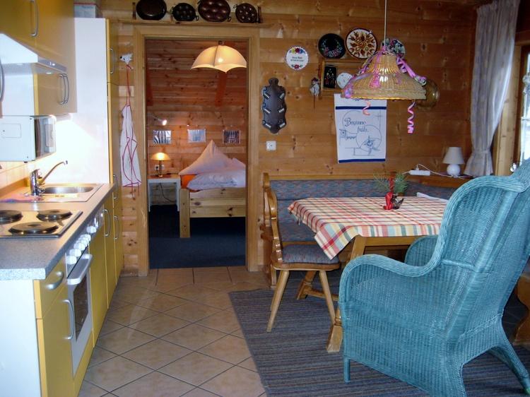 Wohnküche mit Bauernsitzecke