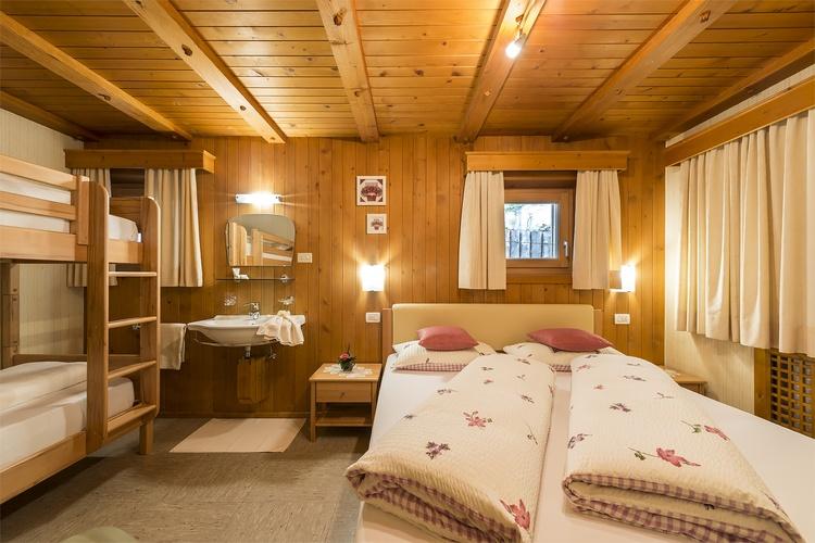 Mehrbettzimmer Ferienwohnung Kronplatz