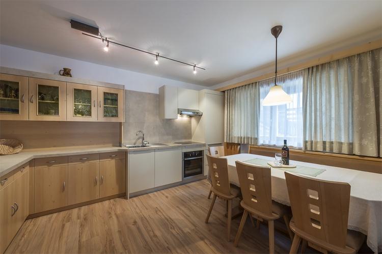 Küche Ferienwohnung Kronplatz