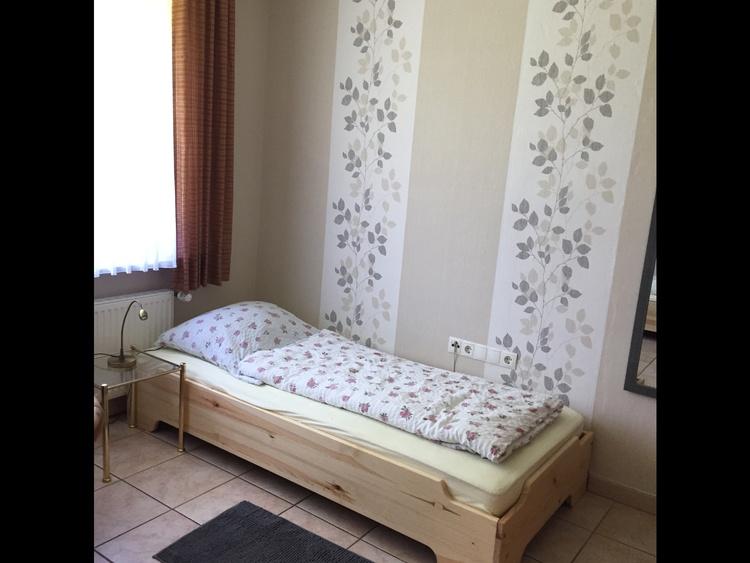 Schlafzimmer 1, zwei Betten