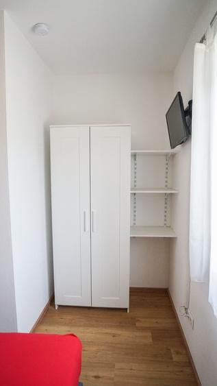 Schrank Zimmer 2