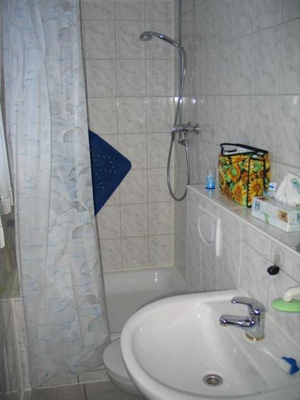 Dusche, WC oben