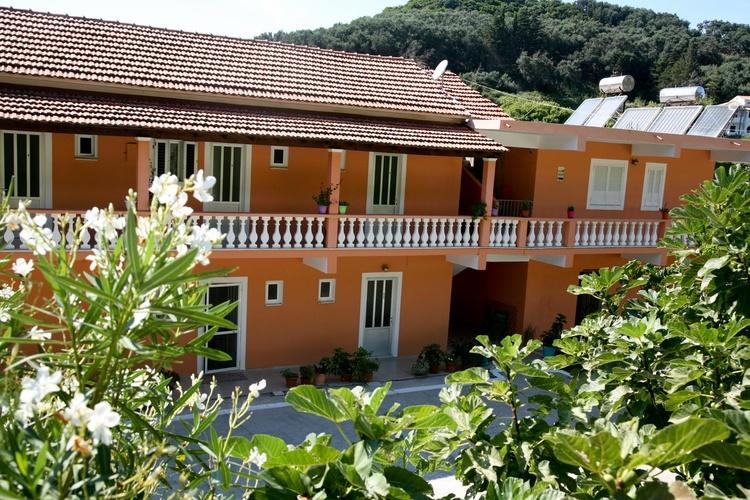Zimmer Apartments Euthimia in Gardenos Vitalades