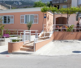 holiday villa Podgora
