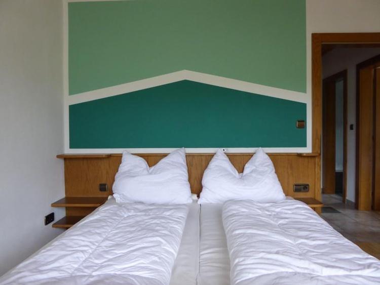 Schlafzimmer 1 Ferienwohnung Edelweiss