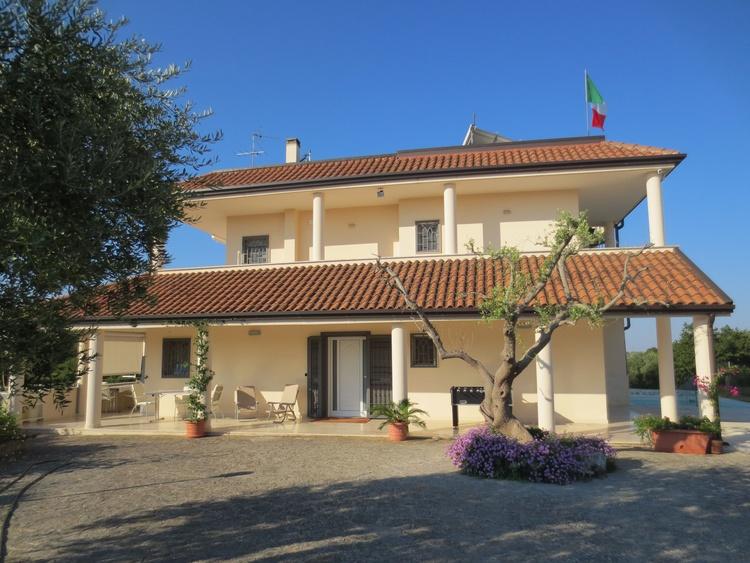 Front of Villa Murgese