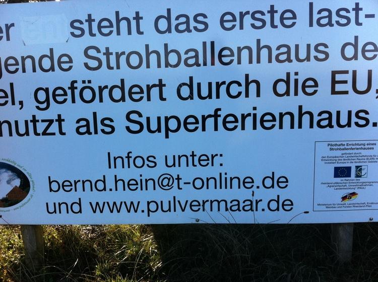 Das lasttrageende Strohballenhaus wurde als innovbativ gefördert