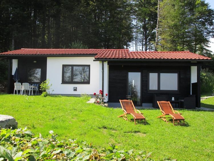 Ferienhaus mit 500 m² großen Garten zur alleiningen Benutzung