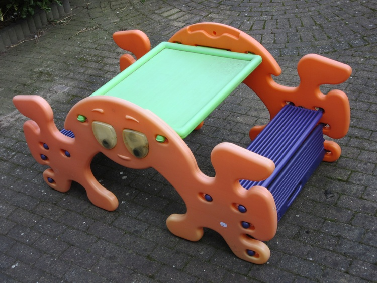 Picknicktable for the little-ones