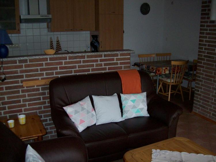 Wohnung I, Wohnz., Essecke . Küche,mit Cerankochpl. Kühlschrank,  Geschirrspülmasine, usw