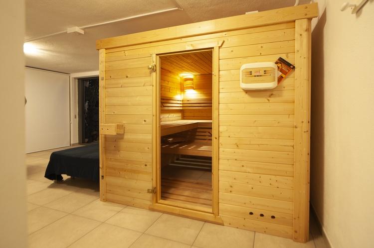entrance sauna