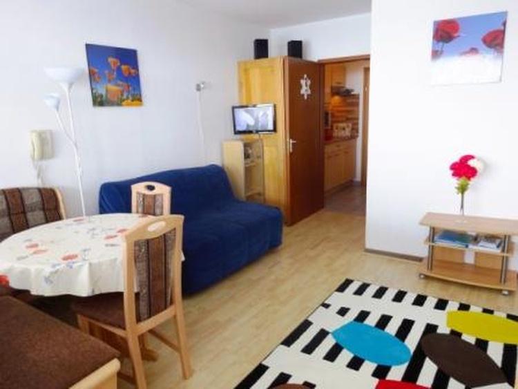 Wohnbereich FeWo Steinbock 516, modern aber gemütlich.