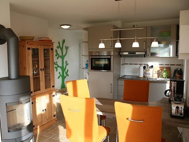 Küche hochwertig und voll ausgestattet.