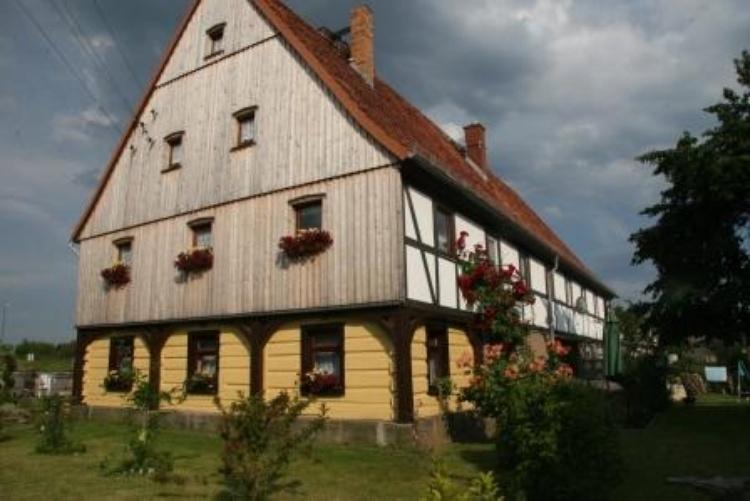 Umgebende-Fachwerkhaus-Anno 1793