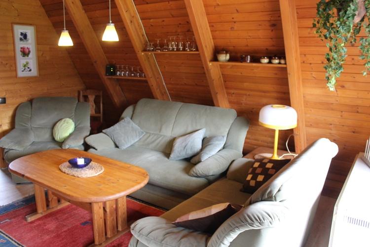 Zeltdachhaus Wohnzimmer