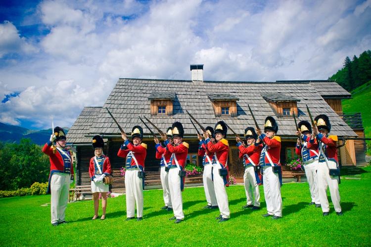 Napoleonvilla with historic shooters