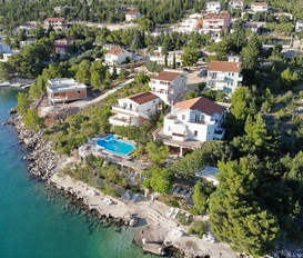 Holiday Apartment Starigrad Paklenica