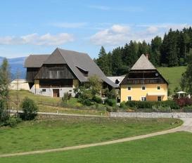 Holiday Apartment Zeutschach