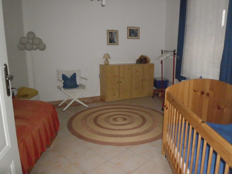 """""""children`s room"""" with one bed 90 cm and baby bed"""