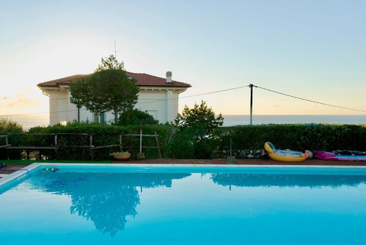 Pool 12x7 Meter