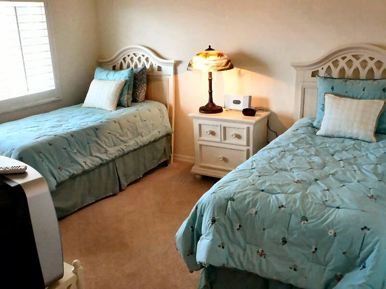 Guest room, 2 twin beds
